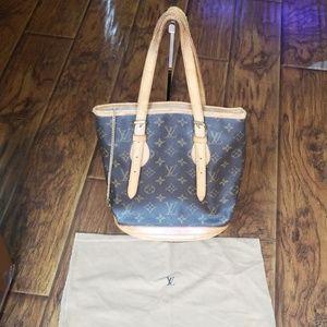 Authentic Louis Vuitton bucket pm bag